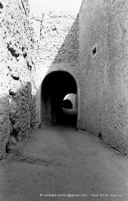 [NB050-1978-15] Temacine-Tamelhat - Rue avec passages couverts