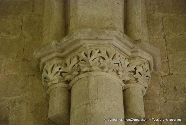 [NU003-2017-084] 13 - La Roque d'Anthéron - Abbaye de Silvacane : Le réfectoire (XV° siècle) - Chapiteau
