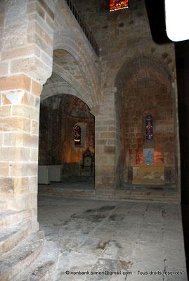 [NU002f-2016-0412] 11 - Fontfroide : Intérieur de l'église abbatiale