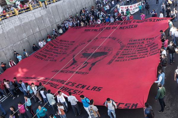 Marcha 2 de Octubre 2015. A 47 años de la masacre de Tlatelolco.