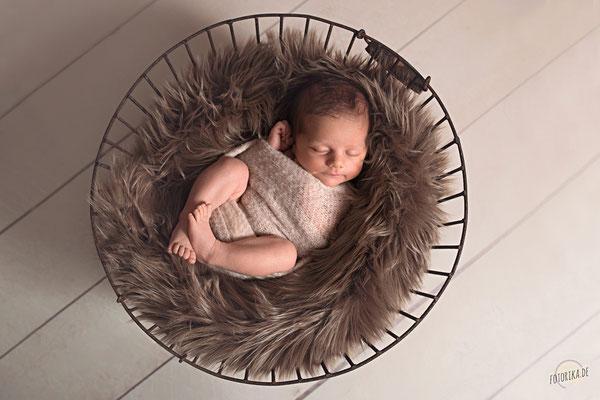 Neugeborenenshooting, Geschwister, Babyfotografie, Newborn, Baby, Korb, Accessoires