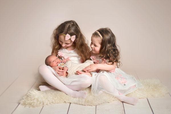 Neugeborenenshooting, Geschwister, Babyfotografie, Newborn, Baby