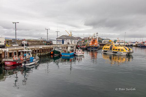 der kleine Hafen von Kirkwall, Orkney, Schottland