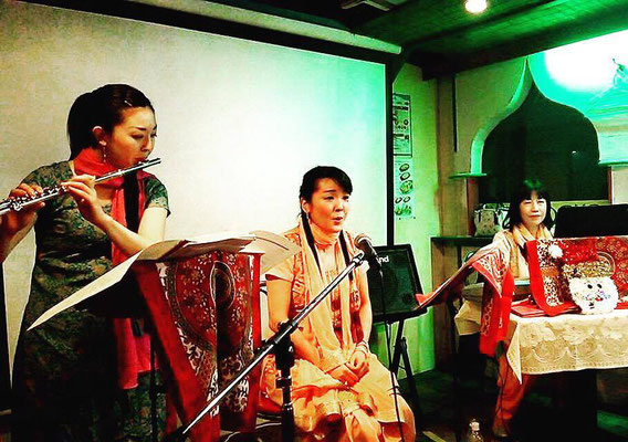 カレーコンサート ソプラノ中村初惠さん、ピアノ山本典子さんとご一緒に
