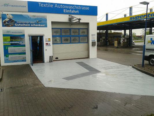 AFT - Einfahrtsbereich einer Waschanlage