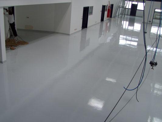 AFT Beschichtung großflächig Fußboden- grau