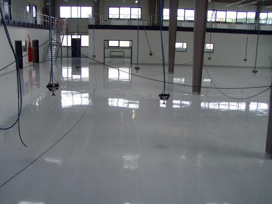 AFT Beschichtung großflächig Fußboden - grau