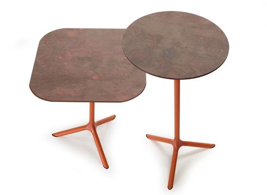 Tripé mesa scab design taula exterior outdoor table