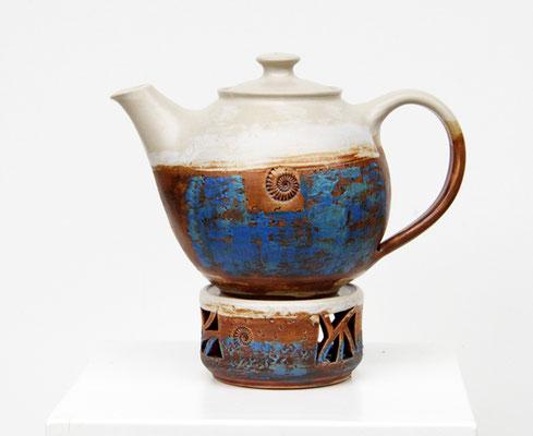 Keramik, Teekanne mit Stövchen Dekor Santorin, Inhalt ca. 1,5 L