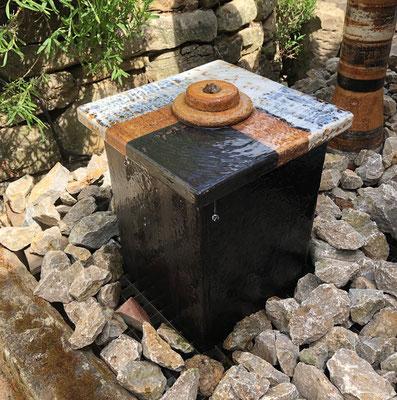 Quaderbrunnen in Dekor Schiefer