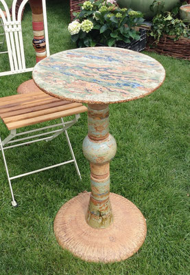 Keramik, Proseccotisch, Platte Dekor Neuseeland bemalt und Fußplatte Natur mit Keramikteilen kombiniert. Frostfest