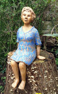 Keramik handgemacht, Mädchen im blauem Kleide