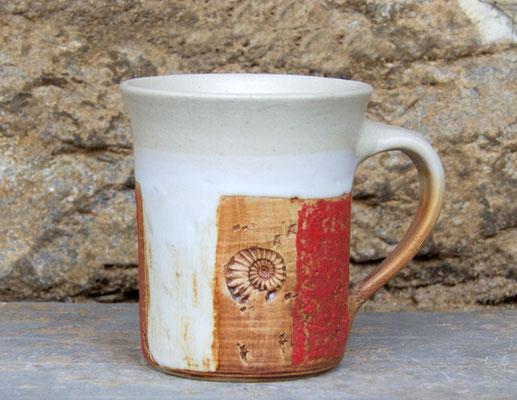 Keramik Tasse zylindrisch Granatapfel, H ca. 10 cm ø oben ca. 9,5 cm