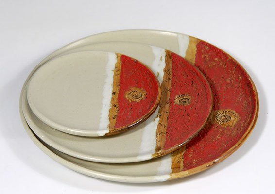 Keramiktellersatz in verschiedenen Aufdeckvariationen, Dekor Granatapfel,Keramik Speiseteller ø ca. 26,5 cm,  Kuchenteller ca. 20,5 cm, Unterteller ø ca. 15 cm