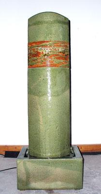 Keramik Brunnen, Brunnensäule oval seladongrün bemalt glasiert