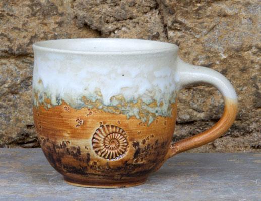 Tassen ca. h 9 cm ø 9 cm, Dekor Basalt