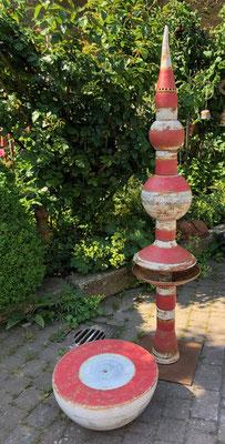 Brunnensäule Nepal ca. 175 cm hoch rot weiß natur glasiert, Quellstein ø 50 cm rot weiß natur glasiert