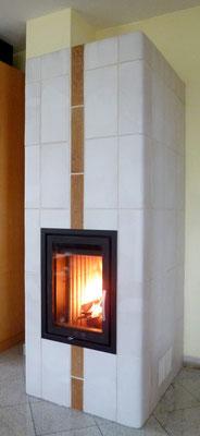 Keramik Kachelofen mit Ofentür von Ofen Innovativ