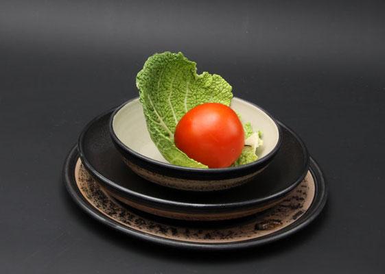 Keramik Speisegedeck Speiseteller ø ca. 26,5 cm, Suppenteller ø ca. 22 cm, Salatschale ø ca. 17 cm H ca. 5 cm, Dekor Schiefer