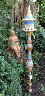 Keramik frostfest, Futterhaus klein mit Stele ca. 100cm hoch mit Futterhaus insg. ca. 125 cm hoch