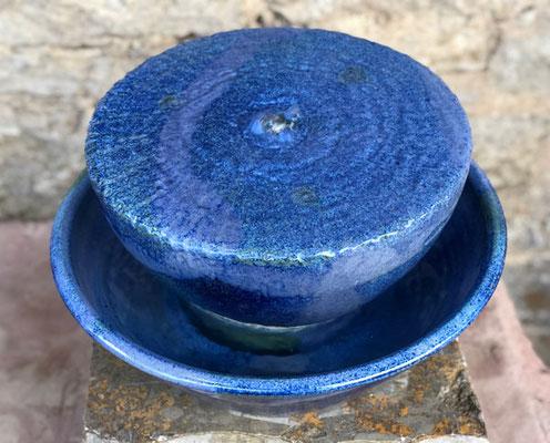 Keramik Quellstein ø ca. 30 cm mit Brunnenschale ø ca. 38 cm, h ca. 12 cm, Dekor Blick ins Meer