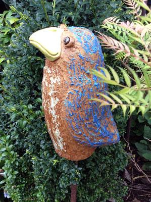 Keramik handmodelliert, Vogel blau natur bemalt