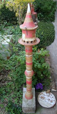 Vogelfutterhausstele Dekor Granatapfel, Keramikteile ø ca. 3 und 5 cm, Höhe nach Belieben zusammenstellbar.