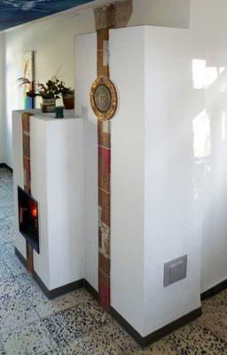 Kachelofen verputzt und mit Schmuckkacheln verziert, handgemacht