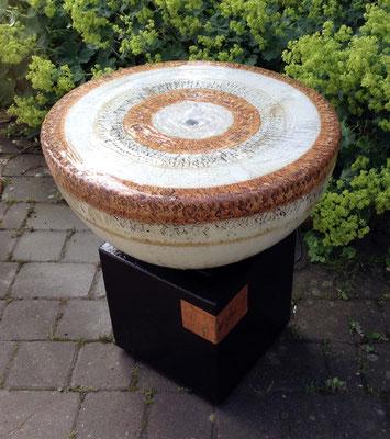 Keramik Brunnen, Halbkugel Quellstein ø ca. 50 cm natur grau und Becken ca. 26x26x30 cm schwarz natur glasiert