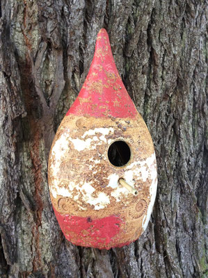 Vogelnisthaus Dekor Granatapfel, auf der Rückseite offen zum Reinigen, Einflugloch ø ca. 28 mm, in verschiedenen Dekoren erhältlich