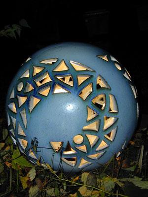 Keramik, Lichtobjekt Keramikkugel ø ca. 45 cm Perlmuttblau