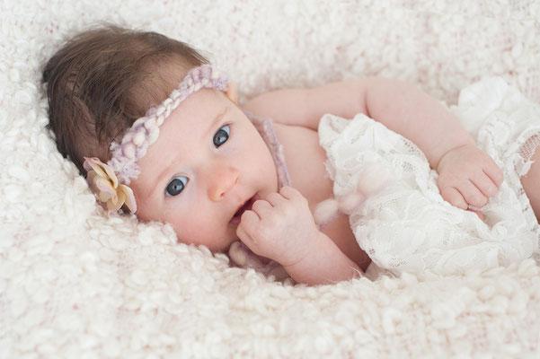 Neugeborenenfotografie Allgäu, Neugeborenes, Allgäu, Kempten, Baby, Newborn, Kinder, Fotografin Neugeborene, Katja Zschau