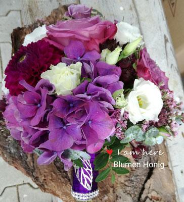 Brautstrauß in knalligen Farben