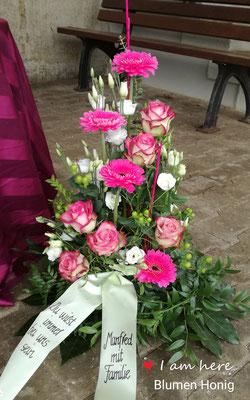 Trauergesteck in lila-rosa-weiß