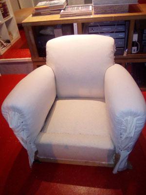 Le fauteuil est « en blanc » et prêt à recevoir la basane