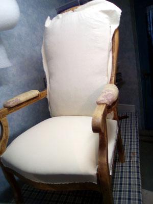 « Mise en blanc » du fauteuil.