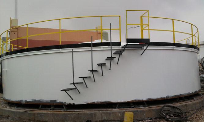 SANNAZZARO DE BURGUNDI - Raffineria - Serbatoi acqua demi