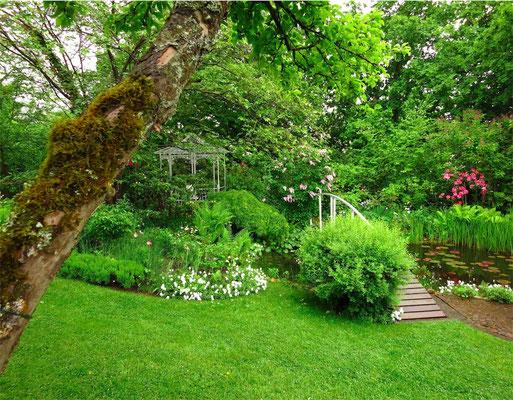 Pavillon am Teich - Helenenweg-Garten