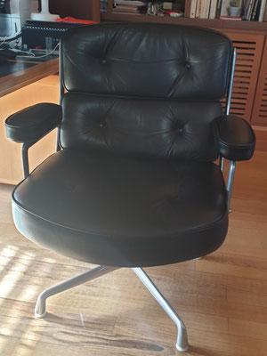 Lobby de Eames en cuir noir