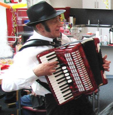 Stimmung, Spaß und gute Laune mit dem Musiker Hermann Gilg