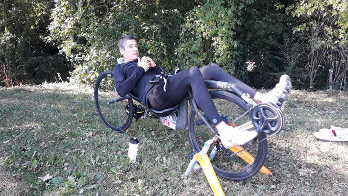 Robin et son beau vélo