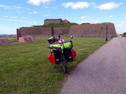 vor der Festung in Varberg.