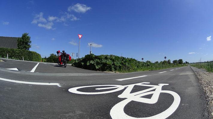 neuer Radweg, wie es sein soll