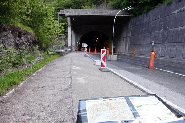 Hier geht es in den Klammsteintunnel - Für Radler sicher, aber sehr laut !