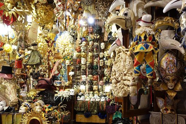 Karnevalsmasken aus Venedig.