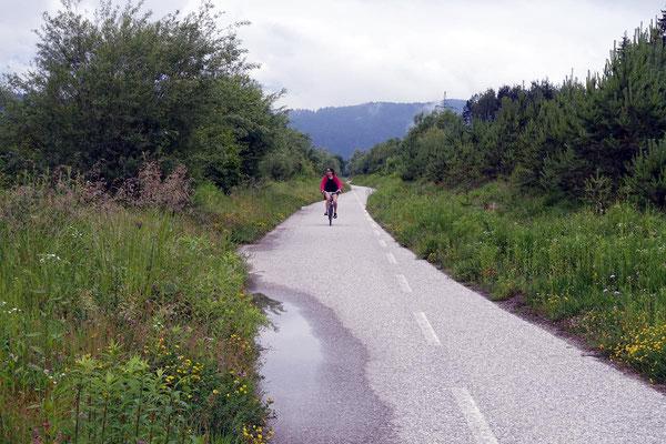 Hinter Villach, der Radweg an der Gail.