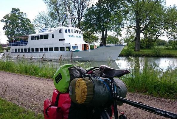 eins der Göta Kanal Schiffe
