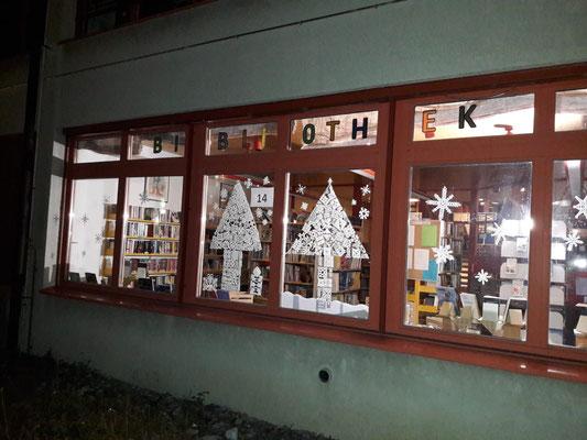 Schul- & Gemeindebibliothek, Schulhaus