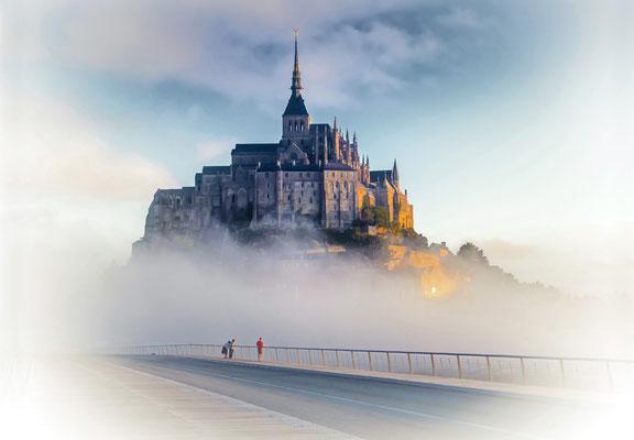 Dr. Holger Sebastian - M St Michel im Nebel