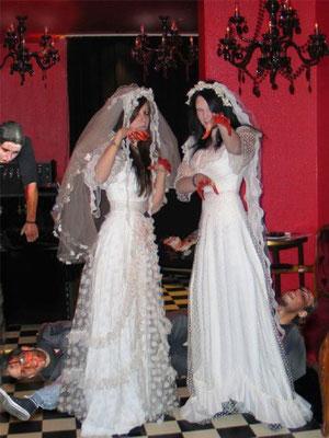 Zwei Bräute